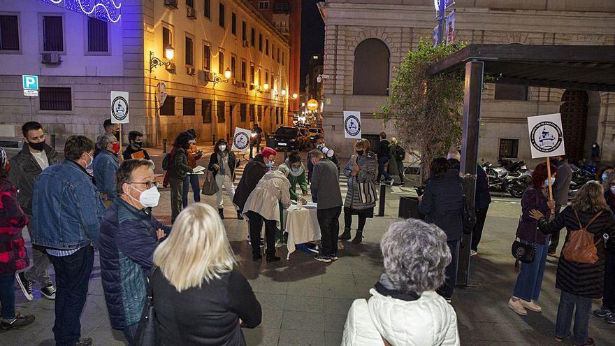 Nueva protesta en contra del restaurante en el faro