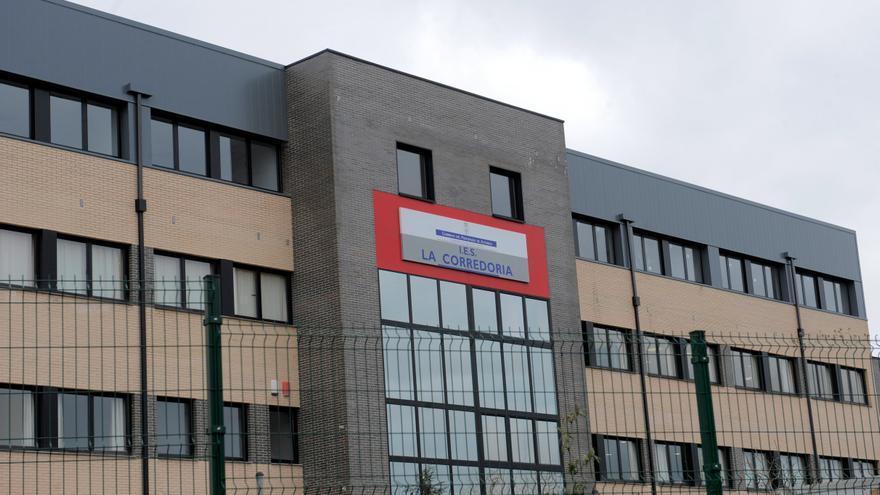 El instituto de La Corredoria: el más masificado de Asturias y sin conserjes