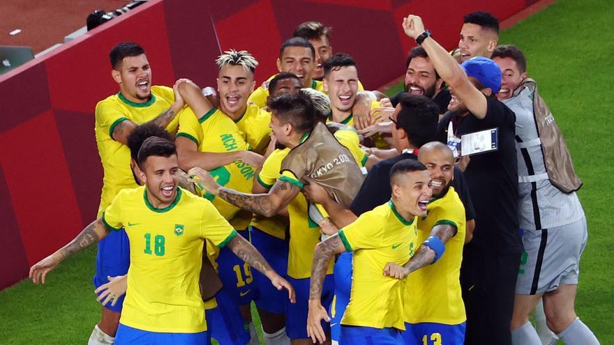 Brasil supera a México en los penaltis y espera en la final