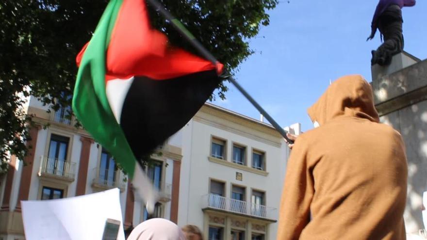 Manifestació a favor del poble palestí a la rambla de Figueres