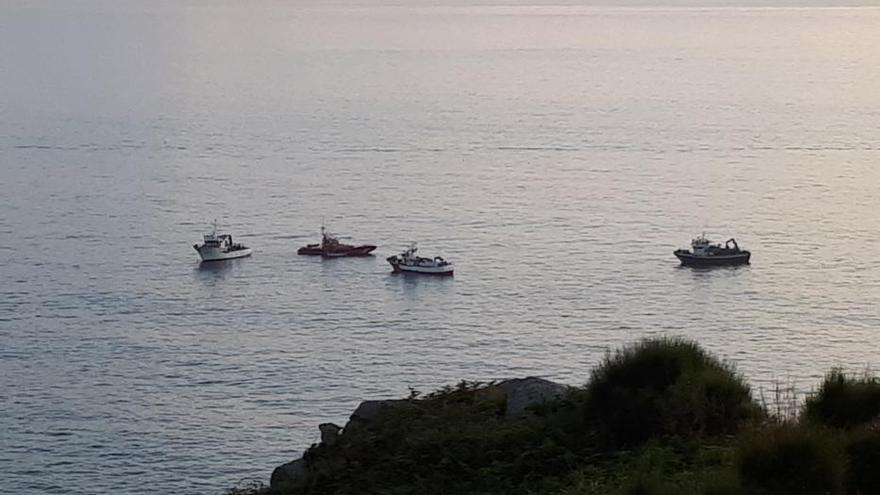 Muere un parapentista de Tirán y otro resulta herido al caer al mar por falta de viento en la Costa da Vela
