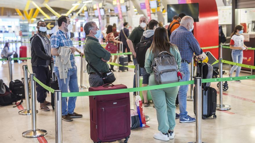 Bruselas recuerda a España que el consenso es pedir PCR negativa a turistas de fuera de la UE