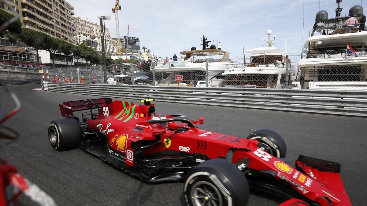 Verstappen es posa líder a Mònaco