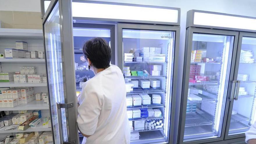 El Reina Sofía mejora su Farmacia con atención más personalizada