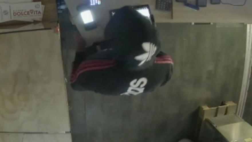 Así se cometió el robo en una pizzería de la calle Oms de Palma