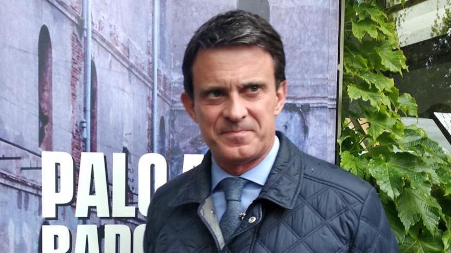 """Valls muestra """"gran preocupación"""" por los contactos con Vox"""