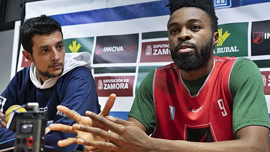 Namdi Okonkwo ya está en Zamora y podrá jugar este  domingo con el Innova Chef ante Algeciras