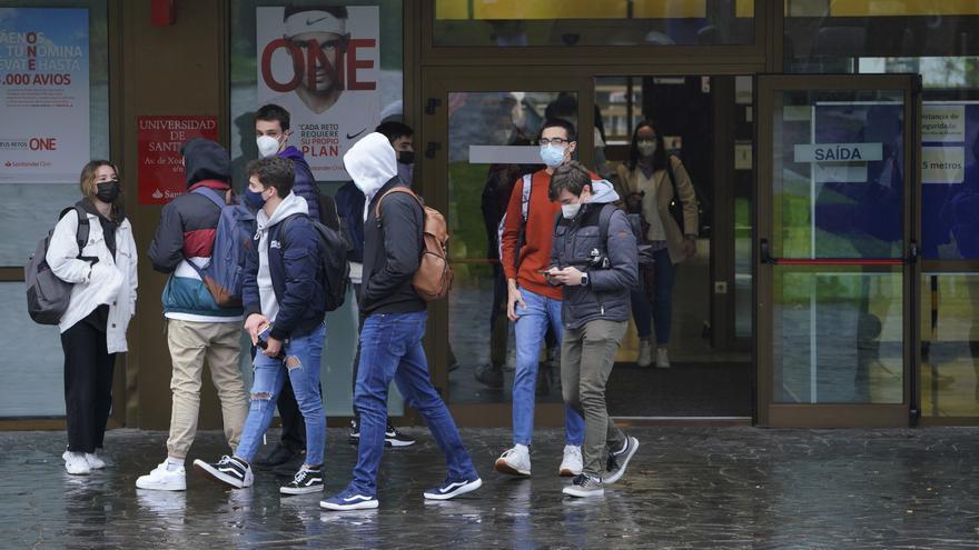 Sanidad propone que los universitarios no vuelvan a casa en Semana Santa