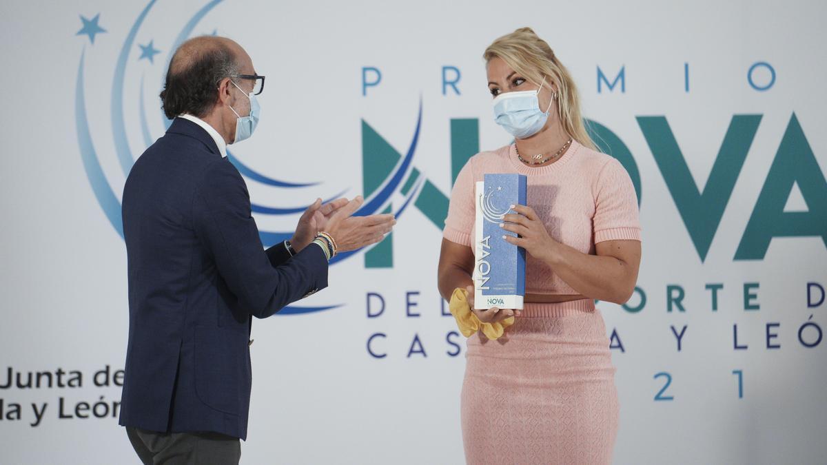 Lydia Valentín ha sido la ganadora en la categoría 'Premio Victoria' a la mejor deportista de Castilla y León.
