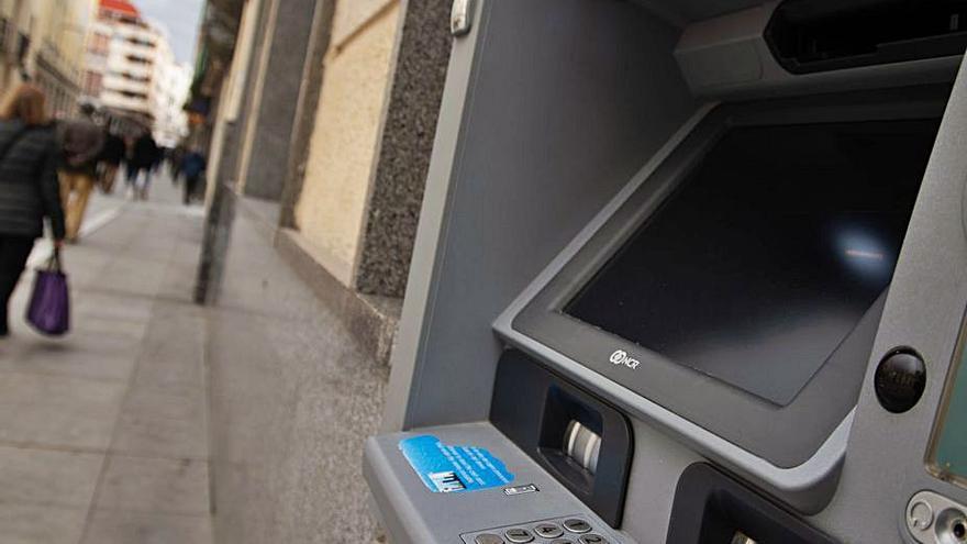 Los bancos solo declaran 12 cajeros para el pago de la tasa en Zamora