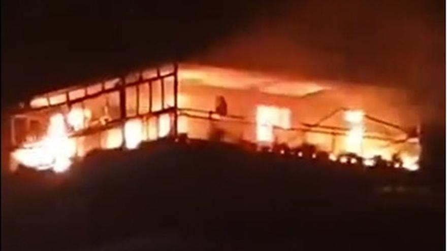 Incendio en un bloque de apartamentos de Benicàssim