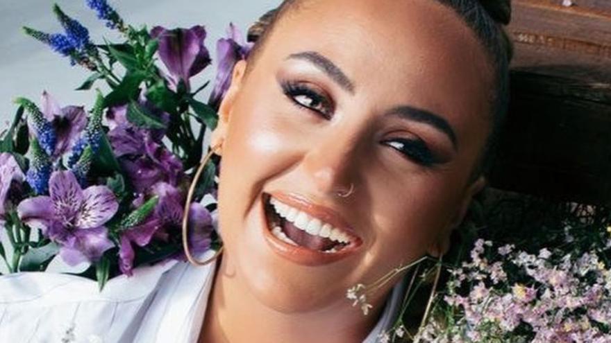 """Rocío Flores hace pública la llegada de un nuevo miembro a la familia: """"No sé si es niño o niña"""""""