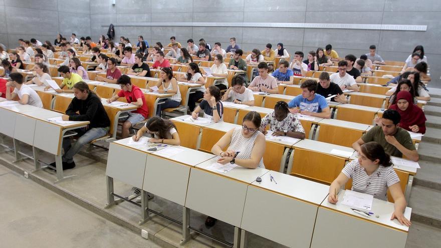 Más del 60% del alumnado de grado de la UMU son mujeres