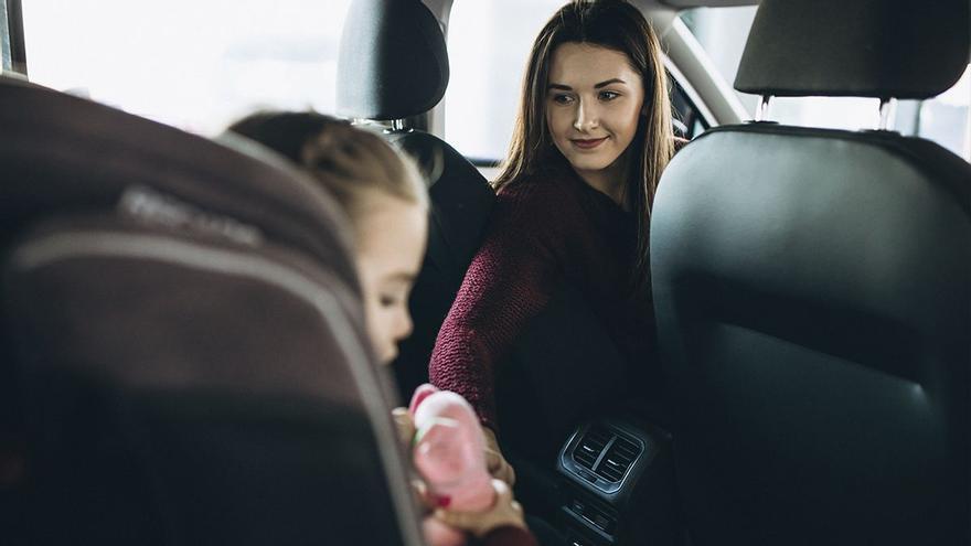 Ocho claves para viajar en coche con niños
