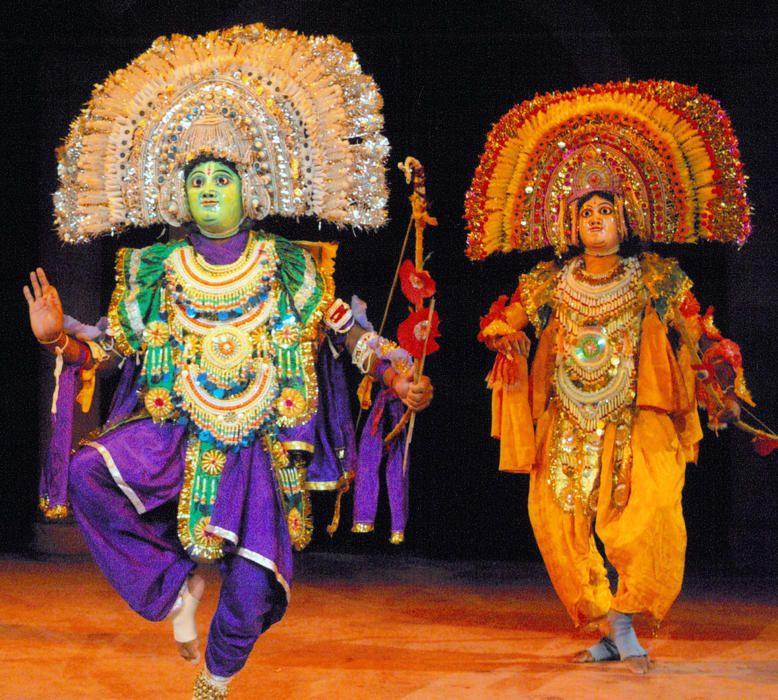 India - La danza chhau, arte escénico tradicional del este de la India.