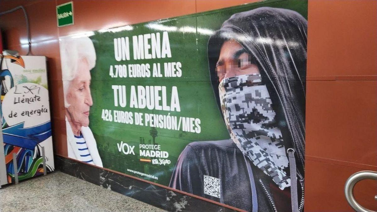 El cartel de Vox en el metro de Madrid.