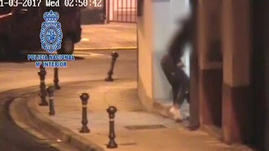 La Policía salva a una mujer de su agresor cuando llevaba a su bebé en brazos en Lugo