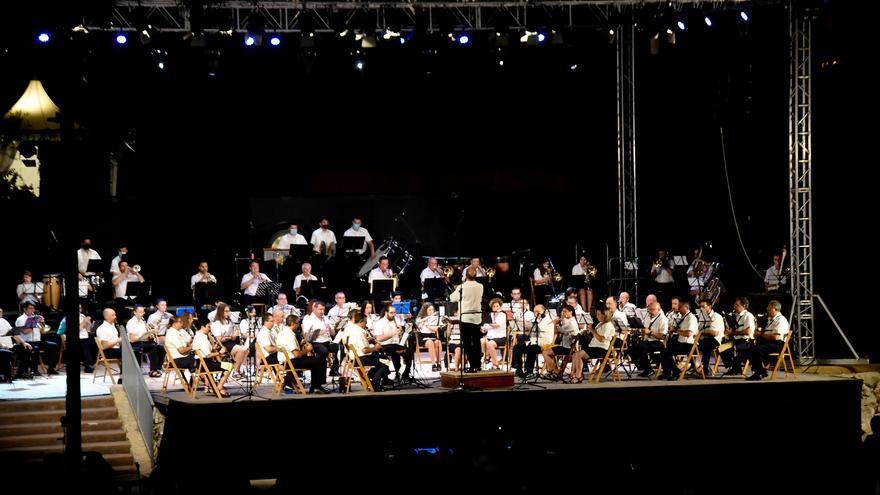 Consulta todos los conciertos y programación cultural de Xixona para sus días grandes