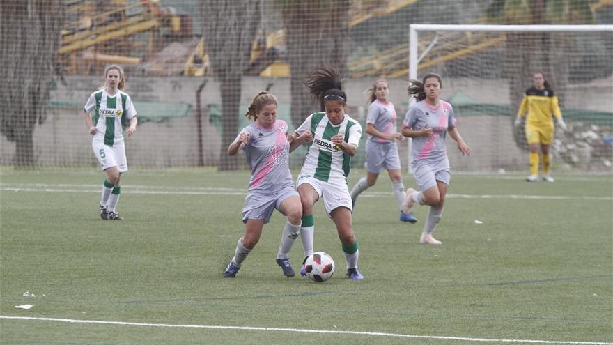 El Córdoba gana el derbi al Pozoalbense y se coloca tercero