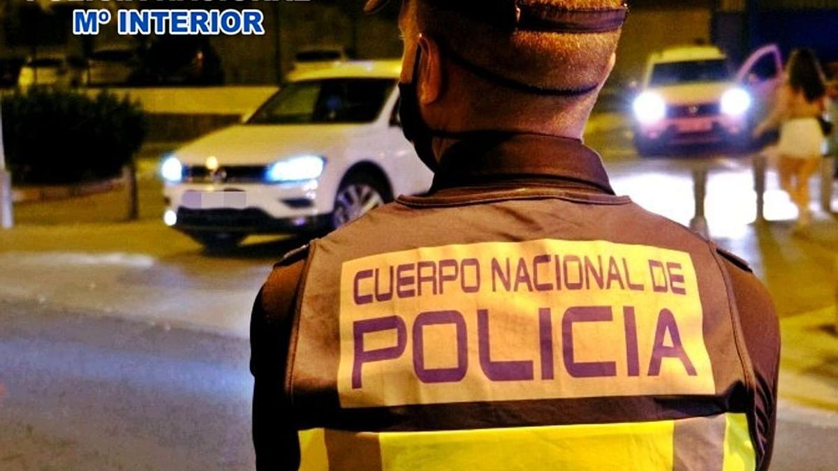 Policía nacional.     E.D.