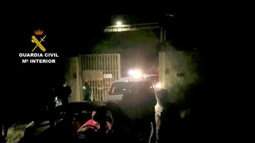 Desalojada en El Campello una fiesta ilegal en una finca a la que estaban convocadas 200 personas