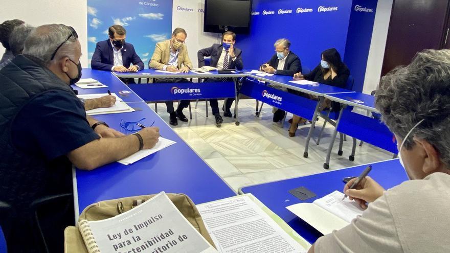 El PP defiende que la nueva ley Lista dará solución a 11.000 parcelaciones ilegales de Córdoba