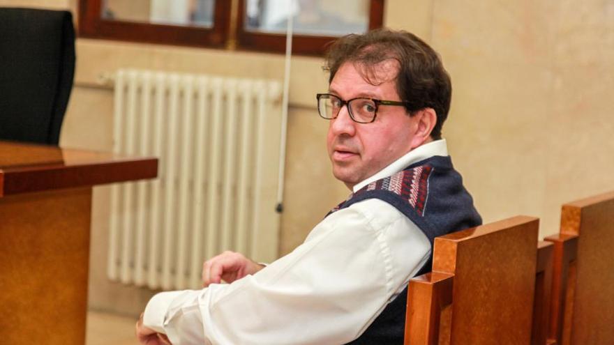 Condenado el exdiputado del PP, Joan Font, por coaccionar a los soberanistas