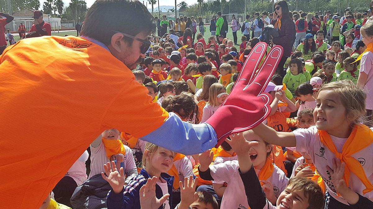 Celebració multitudinària del Dia de l'esport, fa dos cursos, amb escolars i centres de la Safor. | LEVANTE-EMV