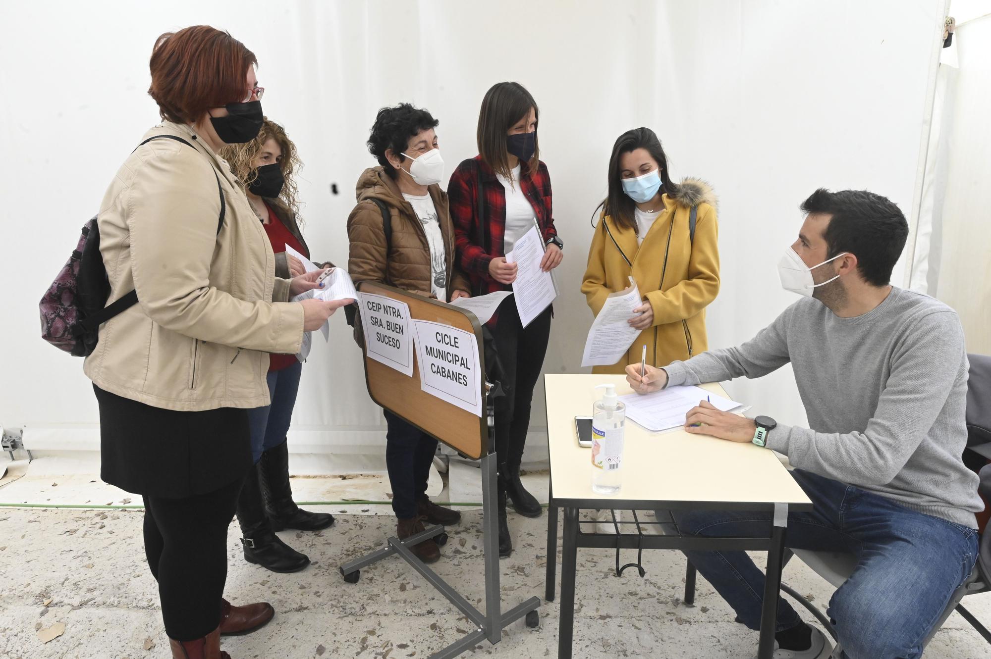 Más de 60.000 docentes de la Comunitat reciben la vacuna contra el covid-19 este sábado