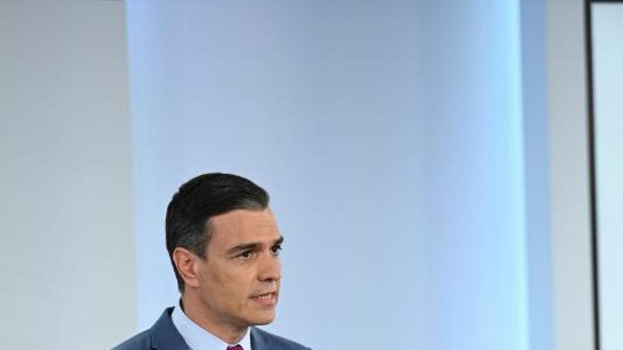 Sánchez prescindeix del seu nucli dur i reforça el PSOE dins l'executiu