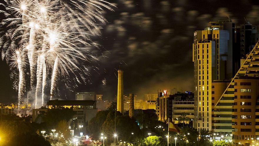 Fiestas hará los castillos de la Fira tras  el toque de queda si el virus empeora