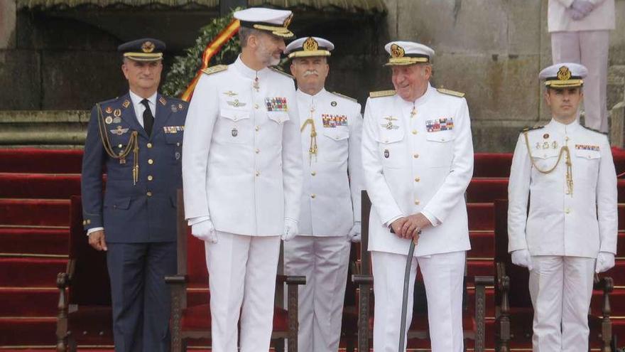 El Rey ensalza la figura de su padre en la ceremonia central de los 300 años de la academia de la Armada