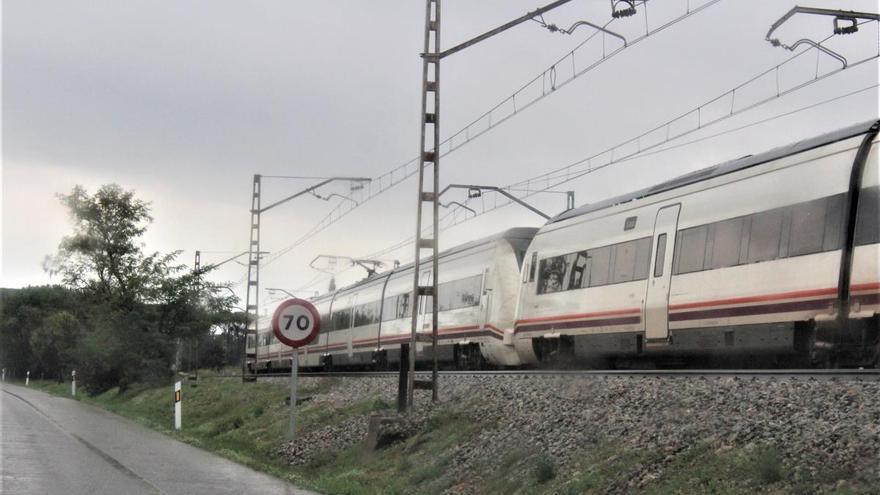Tallada la circulació de l'R11 entre Sant Miquel de Fluvià i Girona per una avaria