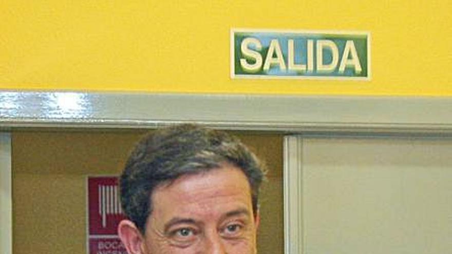Besteiro recibe en 20 días el archivo de dos causas que forzaron su dimisión al frente del PSdeG