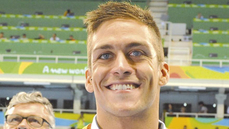 El canario Israel Oliver gana el oro en los 100 metros mariposa