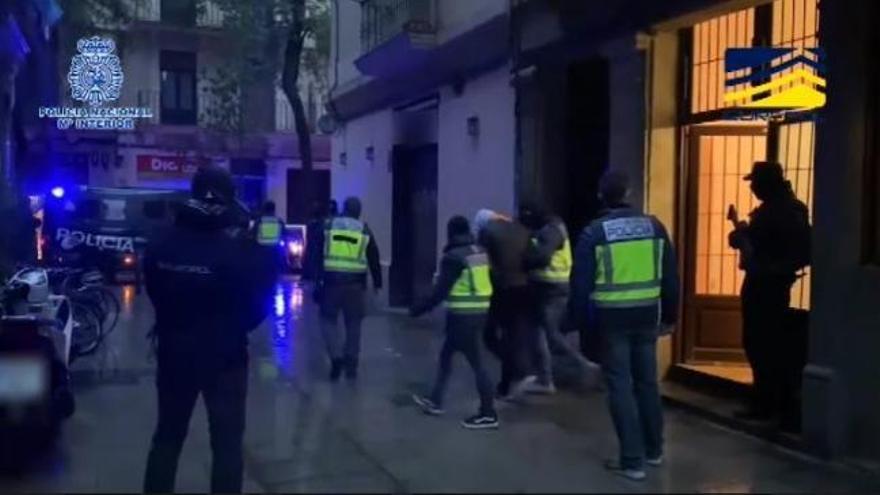 """El Gobierno cifra en 11 las detenciones de terroristas """"infiltrados"""" en redes de migración desde 2018"""