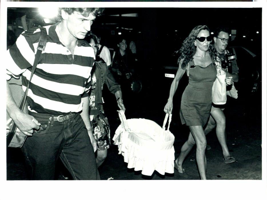 La primera imagen de Álex Lequio, captada por Diario de Mallorca el 11 de agosto de 1992 durante su llegada a la isla para pasar las vacaciones de verano.