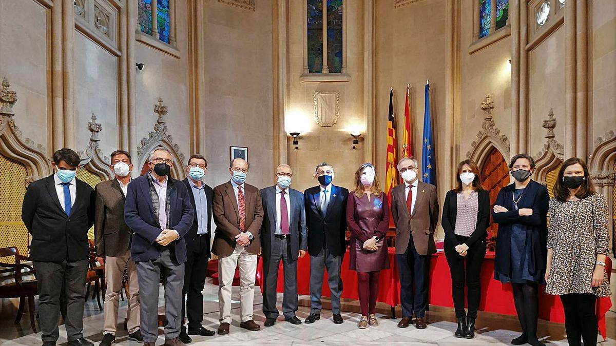 Foto de familia de los participantes en las jornadas científicas.