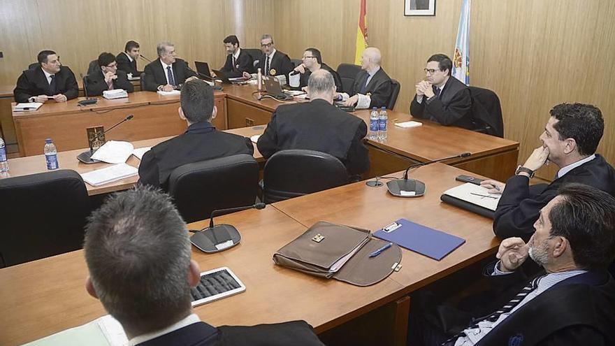 """El fiscal reclama que Audasa indemnice por el """"abuso"""" de cobrar por una vía de dos carriles"""