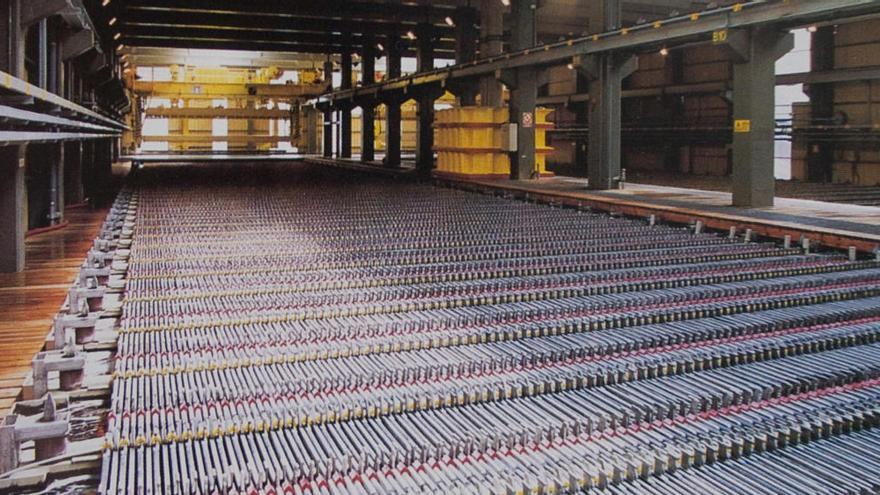 Las Cámaras de Comercio de Asturias alertan del peligro de cierres de industrias por la tarifa eléctrica