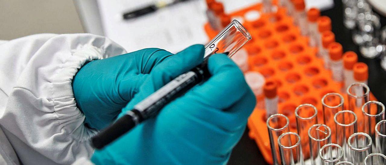 La vacunación masiva se está haciendo esperar
