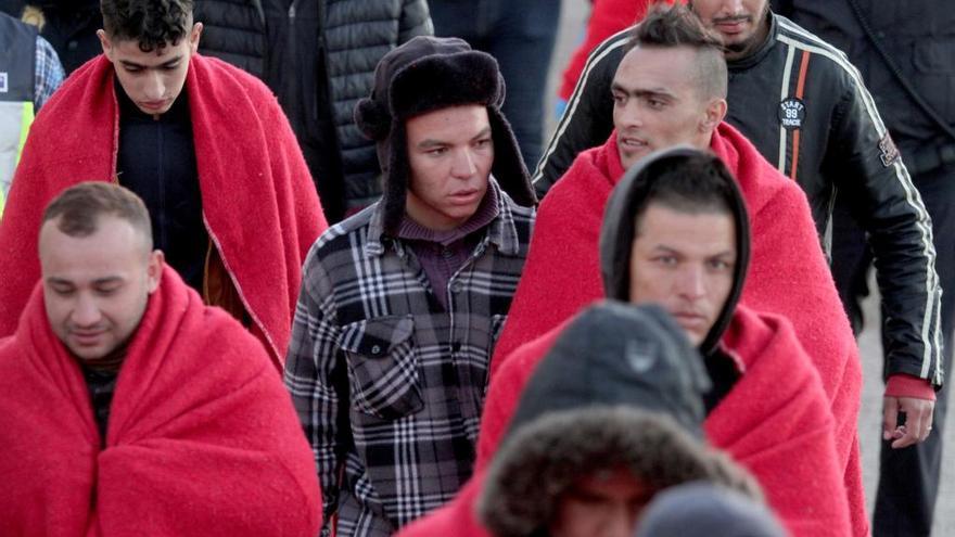 Con frío y falta de mudas, así han acabado los inmigrantes que llegaron a la Región