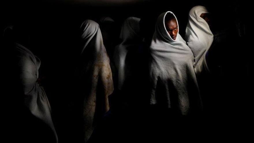 Al menos 57 migrantes fallecen tras un naufragio en la costa de Libia