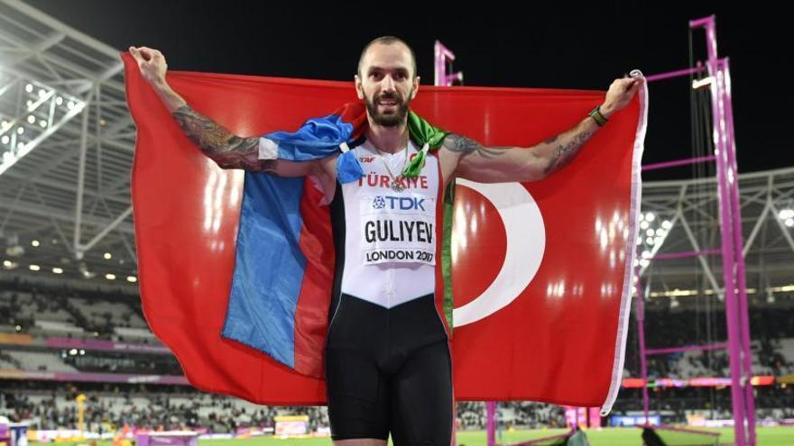 Guliyev fulmina a Van Niekerk en los 200 metros