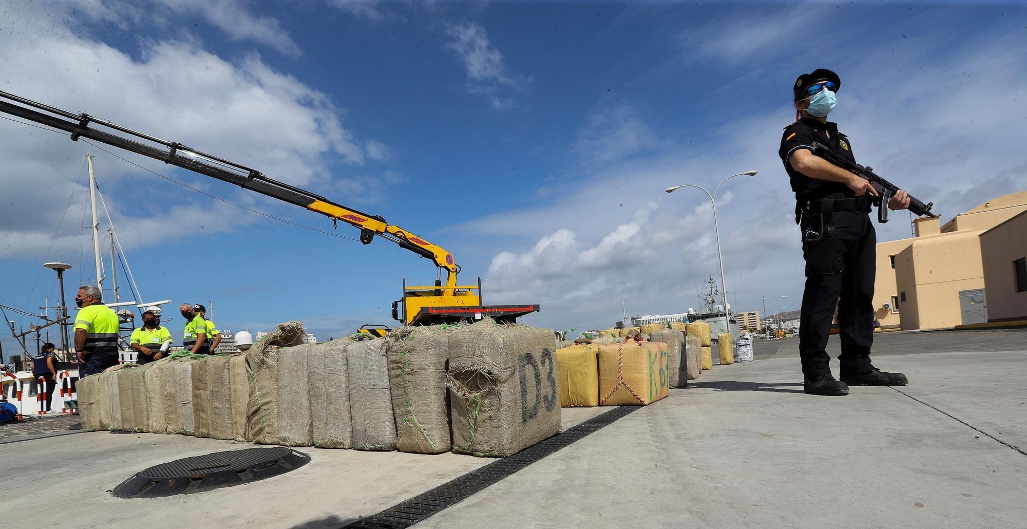 Vigilancia Aduanera intercepta 18 toneladas de hachís