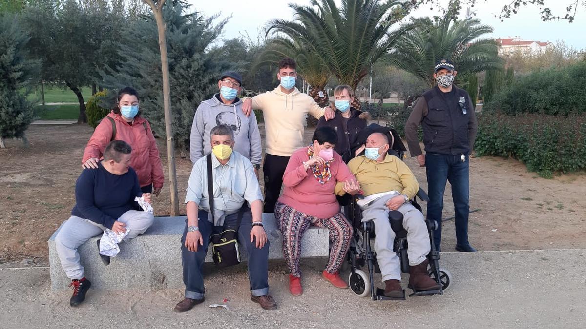 Un grupo de usuarios de Inclusives participantes en el programa de ocio.