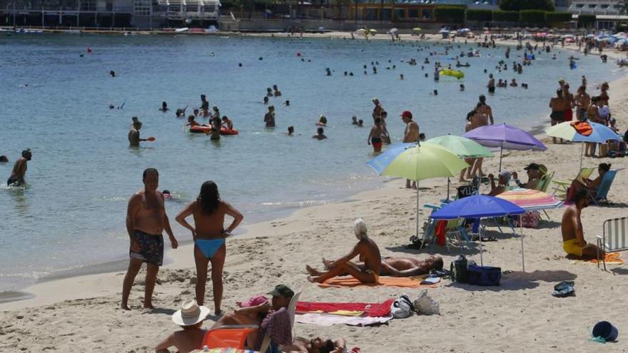 El govern espanyol planteja corredors segurs entre Regne Unit i Balears i que s'excloguin les illes de la quarantena