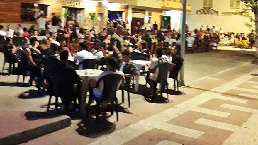 Torroella redueix dues hores l'horari dels locals de la plaça del Timó de l'Estartit