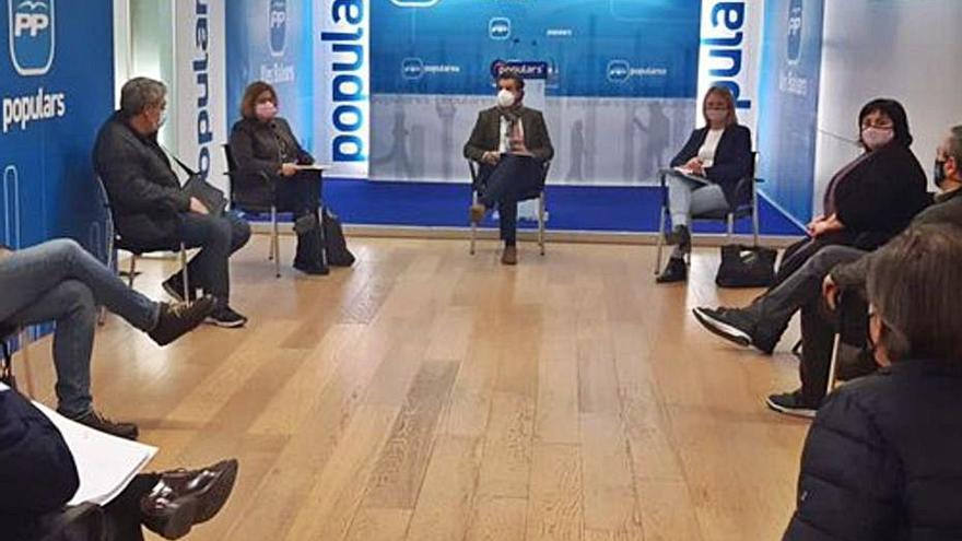 La oposición y Més critican que Armengol volviera «con las manos vacías» de Madrid