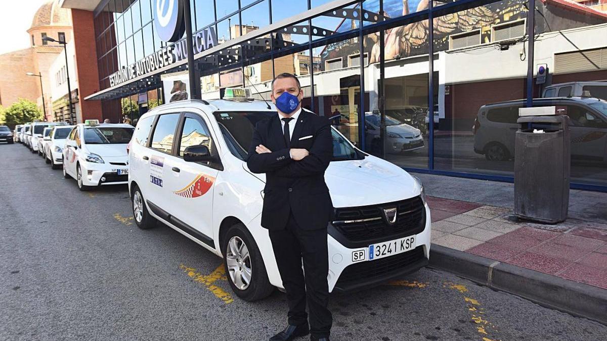 El letrado Valentín Fernández, que representa a Radio Taxi Murcia.